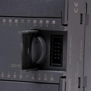 8xDI/8xDO digitální vstup/výstupy DC 24V, EM 223, FOXON Liberec